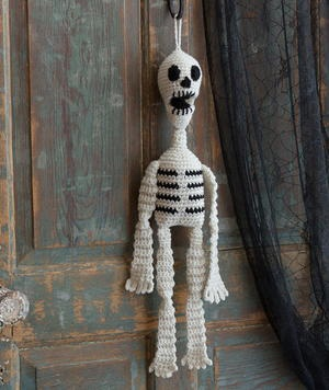 Free Halloween skeleton Pattern